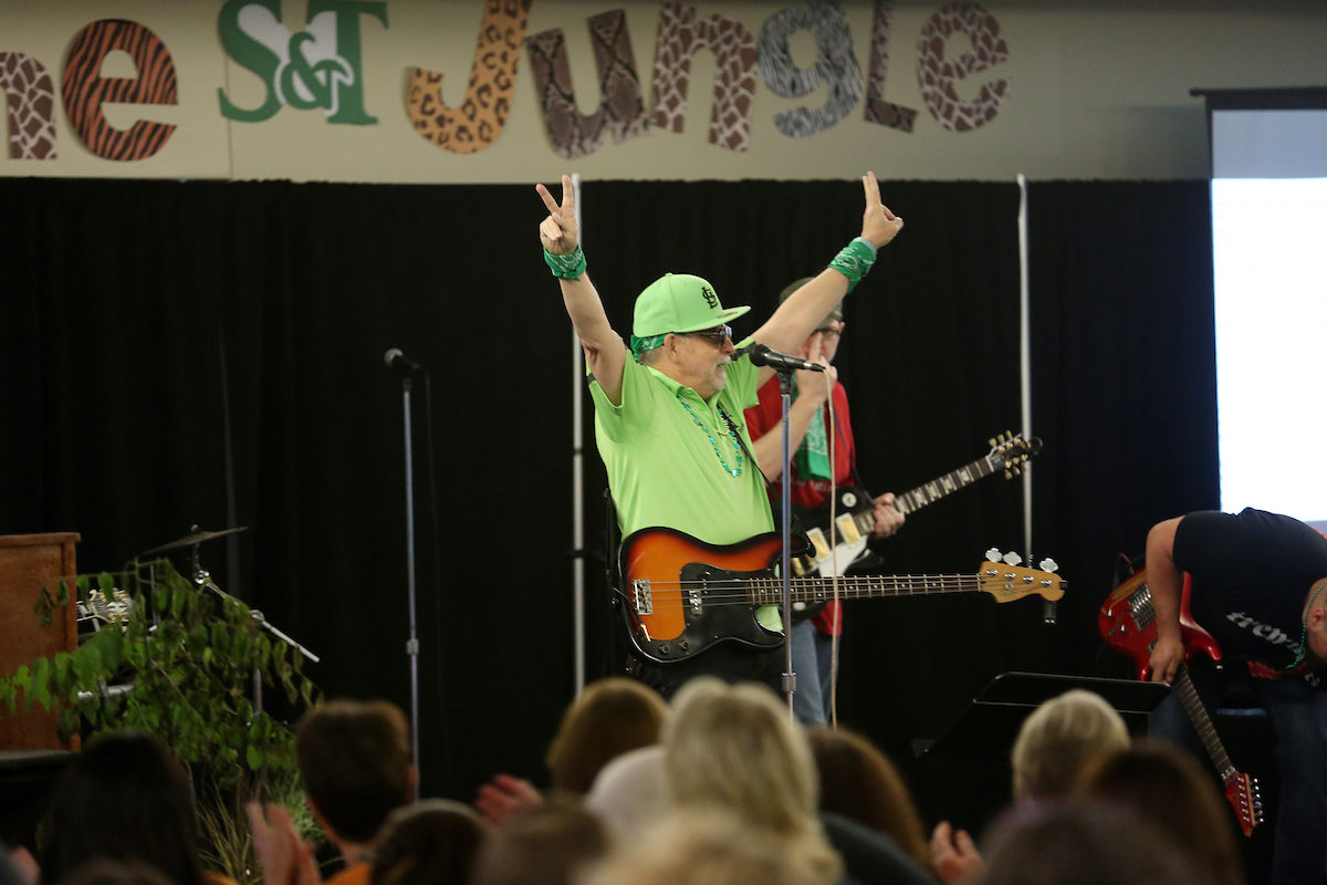"""Bob Kraus, software support analyst, kicks off Staff Day 2016 by performing """"Welcome to the Jungle"""" in the Havener Center."""