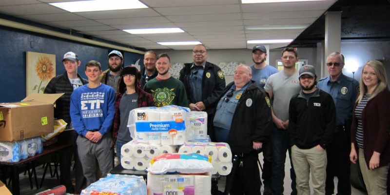 Students, police deliver for Rolla Mission