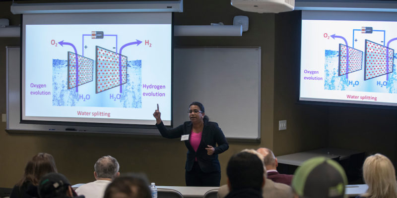 Learn about three-minute thesis contest at Oct. 1 session