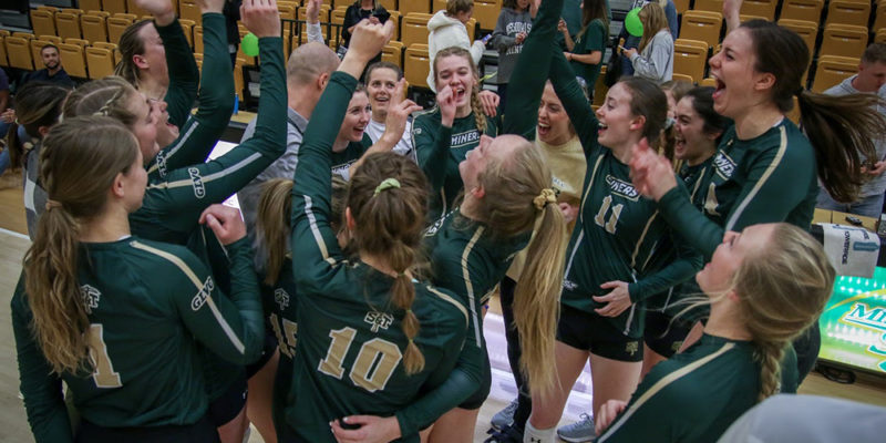 Volleyball team headed to conference