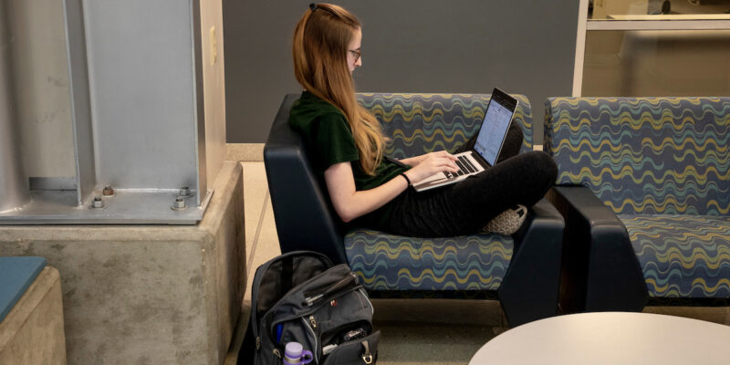 The 14 Habits of Top College Students (Tips to share with your student)